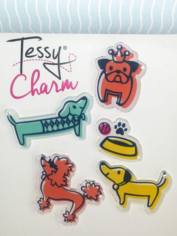 happy dogs CHARM 2_TC11-HD_1